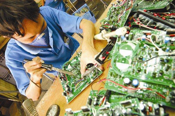 Học kỹ thuật điện, điện tử ra trường làm việc gì?