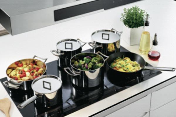 Bạn nên để đúng vị trí của dụng cụ khi nấu ăn