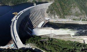Thủy điện sử dụng thế năng của nước tạo ra điện năng