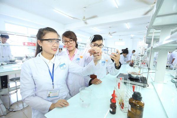 Ngành Kỹ thuật Xét nghiệm y học thi khối nào